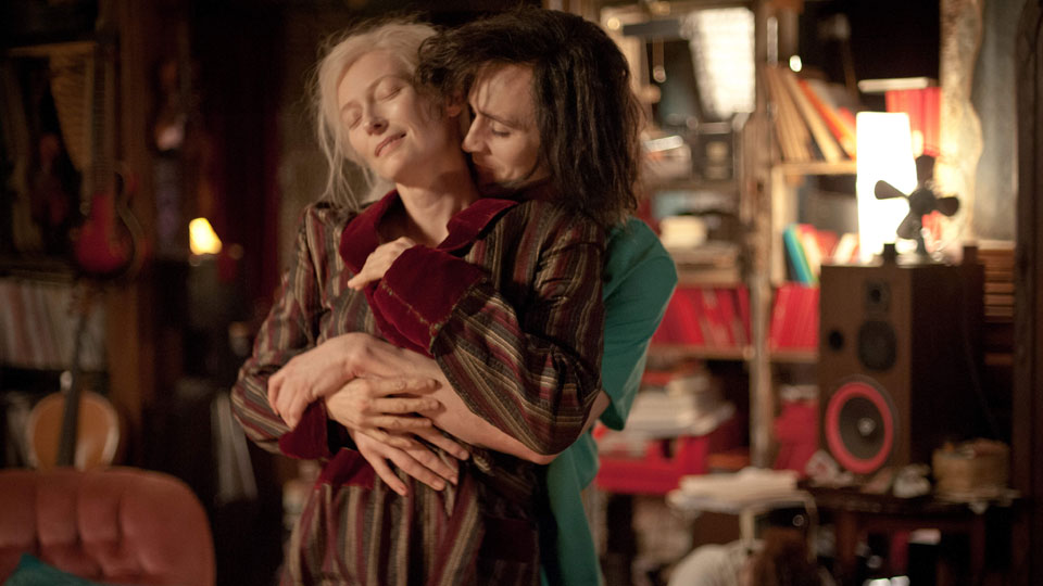 Eve (Swinton), Adam (Hiddleston)