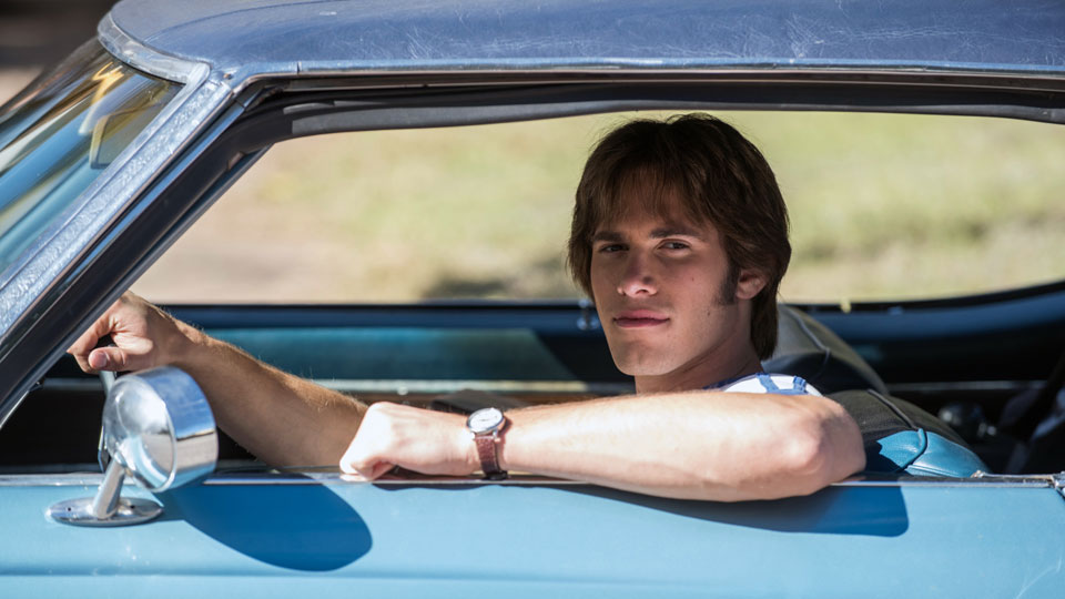 In der Komoedie EVERYBODY WANTS SOME!! faengt Jake (Blake Jenner) sein Studium an einer Uni in Texas an.